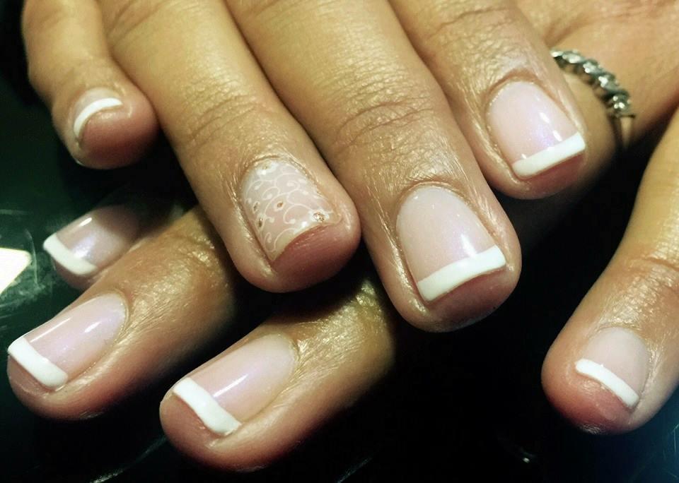 Salón de uñas \'Nails Coruña\'. Manicura. Pedicura. Shellac. Minx.