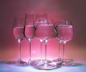 Lucaris-Crystal-Wine-Glasses-Photographer-Naina.co-ExperienceCollector-01