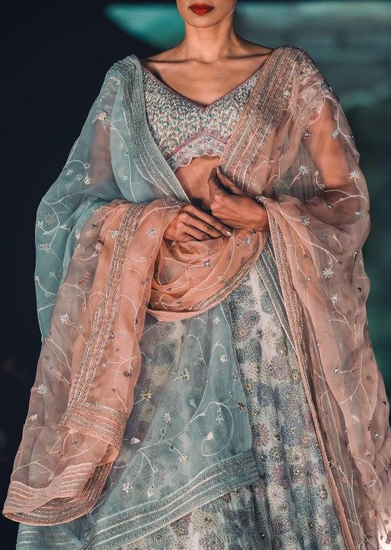 Naina.co-Rahul-Mishra-Red-Fort_DSC2560