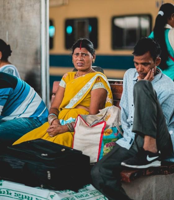 naina.co. naina redhu, the voice of fashion, TVoF, commissioned photo story, photo essay, photo story, photography assignment, photo assignment, NDLS, New Delhi, Railway Station, Railway Look, Airport Look, EyesForStreetStyle, Street Style, India Street Style, Railway Station Street Style