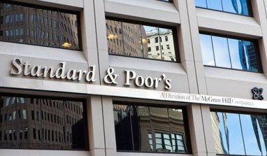 """""""Nigeria Will Face a Tough 2016"""" and Must Devalue – Director at Standard & Poor's"""