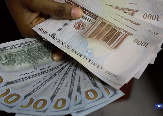 Naira-Dollars, Exchange rate falls at black market as forex liquidity declines by 89.8%