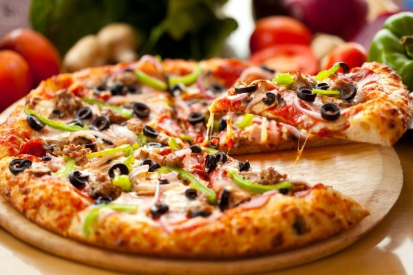 Bread or Pizza: Domino's is slipping and competitors are taking note