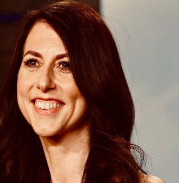 MacKenzie Bezos is set to get her bumper divorce settlement