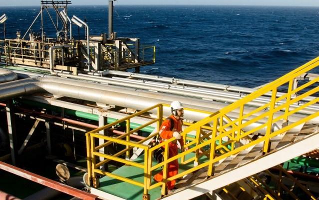 Critics blame FG as Vitol quits oil fields acquisition