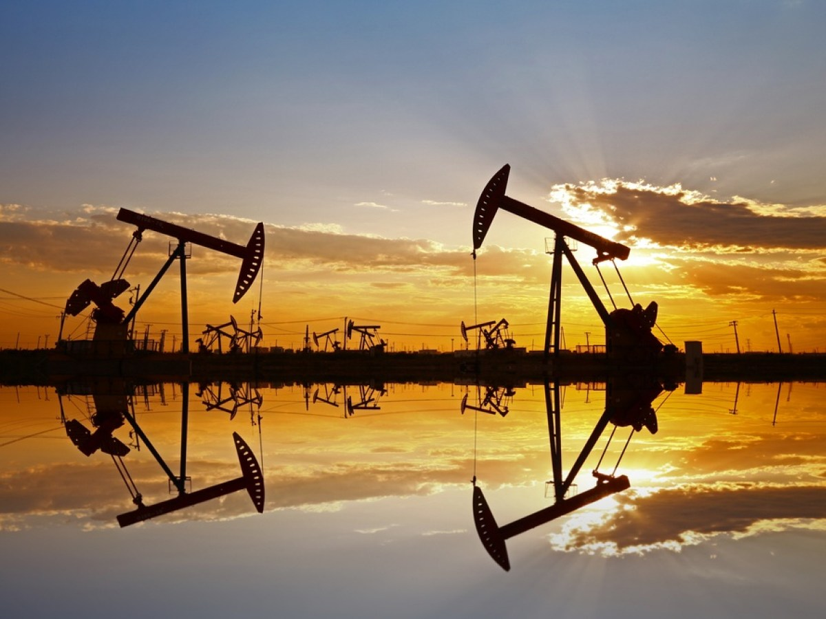 Oil prices were little changed on Tuesday, trapped in the narrow trading band of the past three weeks as investors gauged hopes for a recovery in oil demand against fears of new lockdowns due to a growing number of coronavirus cases. Prices were offered some support by positive news on the development of vaccines as […]