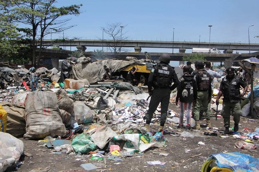 Lagos issues 3-day ultimatum to squatters at Iganmu under bridge, to remove trucks, illegal structures