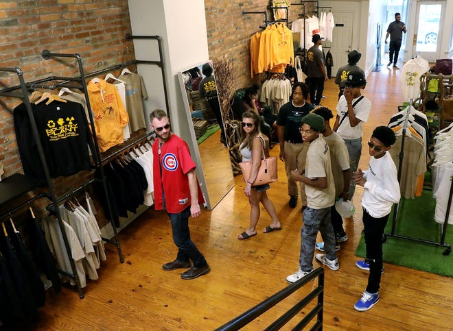 The Fashion Internship Program Helps African AmericansTeens Design Collections Create a Pop-up Store