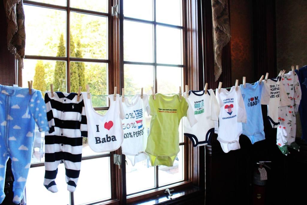 2 Cadeaux INDISPENSABLES pour une jeune maman [article de Caroline Müller]