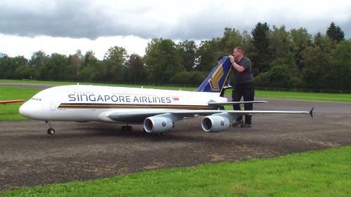 超リアルなラジコンのエアバスを飛ばす!エンジン音や離陸の様子も超リアル!!