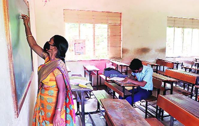জট কাটছে উচ্চ প্রাথমিক শিক্ষক নিয়োগে, স্থগিতাদেশ তুলল কলকাতা হাইকোর্ট