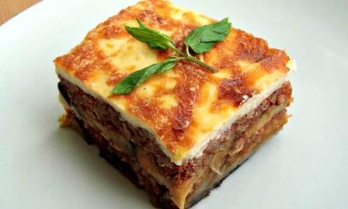 GRČKA MUSAKA: Iznenadite ukućane i goste ukusnim i neobičnim jelom