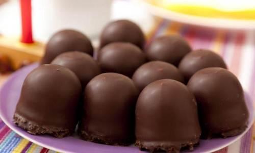 ČOKOLADNI INDIJANERI: Najukusniji kolačići sa finom kremom, preliveni čokoladom…