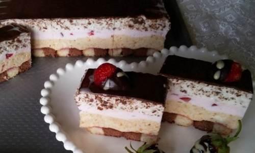 GRČKA SLADOLED TORTA (2): Pravi ljetni desert - jednostavan i osvježavajući