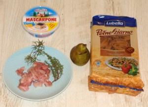 Podstawowe składniki makaronu z kurczakiem i gruszką