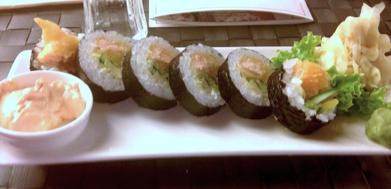 Futomaki z łososiem w tempurze, Hanami sushi, Poznań