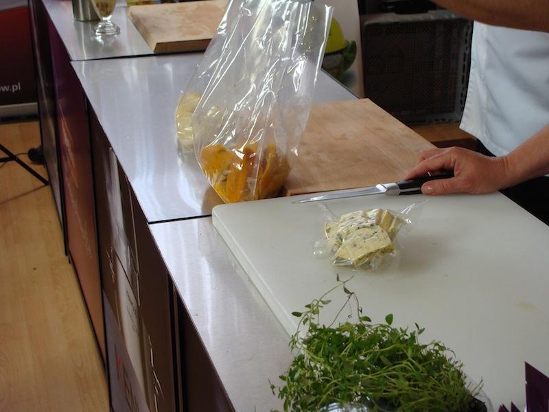 Bloger Chef 2014, warsztaty z syfonami Isi -z Adamem Michalskim, składniki do dania-seler, batat, ser
