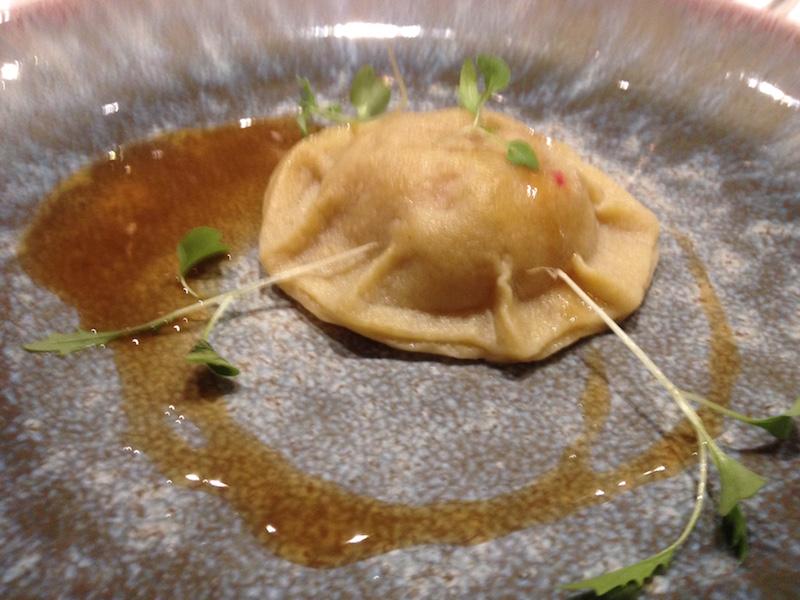 Restauracja The Time w Poznaniu - ravioli z krewetką i mięsem kraba, sos z cielęciny