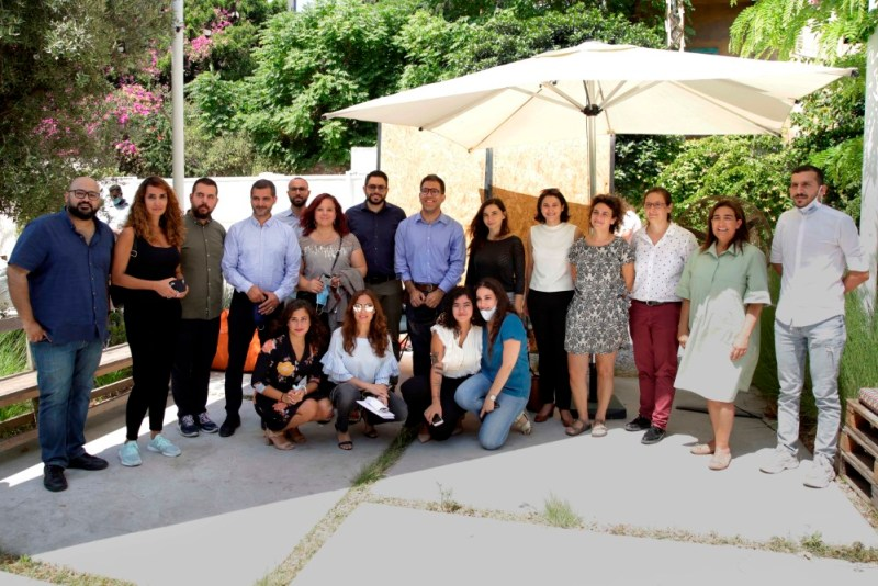 ممثلون عن أعضاء التحالف خلال المؤتمر الصحفي (مهارات)