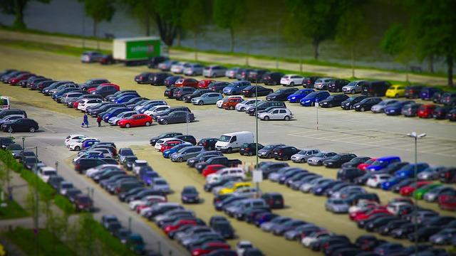 月極駐車場の探し方と注意事項と正しい車両の駐車方法