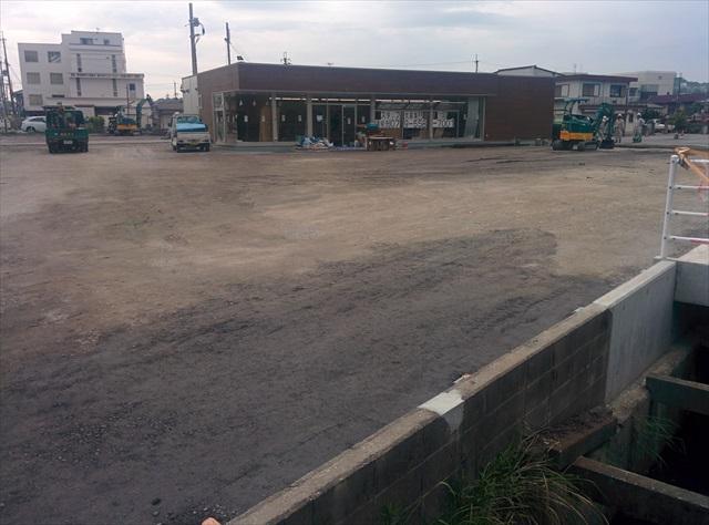 加東市コンビニ駐車場舗装1日目 (9)