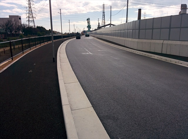 高砂西港周辺道路舗装工事 (57)