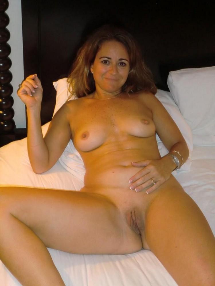 Average Amateur Milf Wife Nude-5869