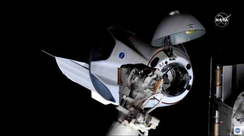 Стыковка корабля Crew Dragon с МКС: как это было