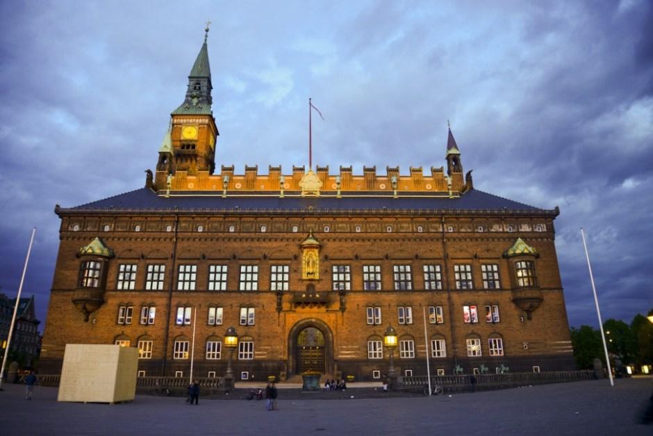 코펜하겐 시청 (출처: 플리커 CC BY Jesse Granger)