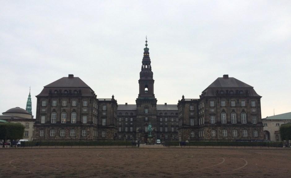 덴마크 국회의사당, 총리실, 대법원으로 쓰는 옛 성 크리스티안보르(촬영: 안상욱)