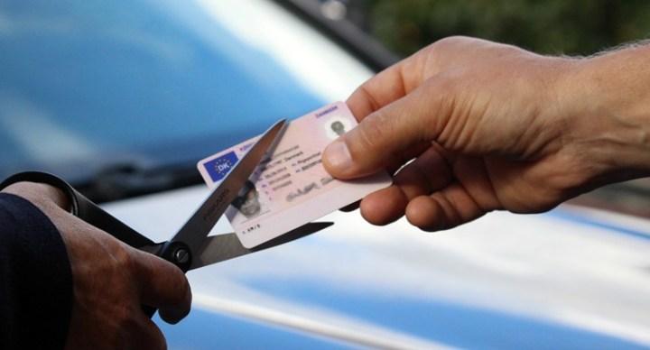 덴마크, 운전 중 전화 사용시 '면허 취소'까지 처벌 강화