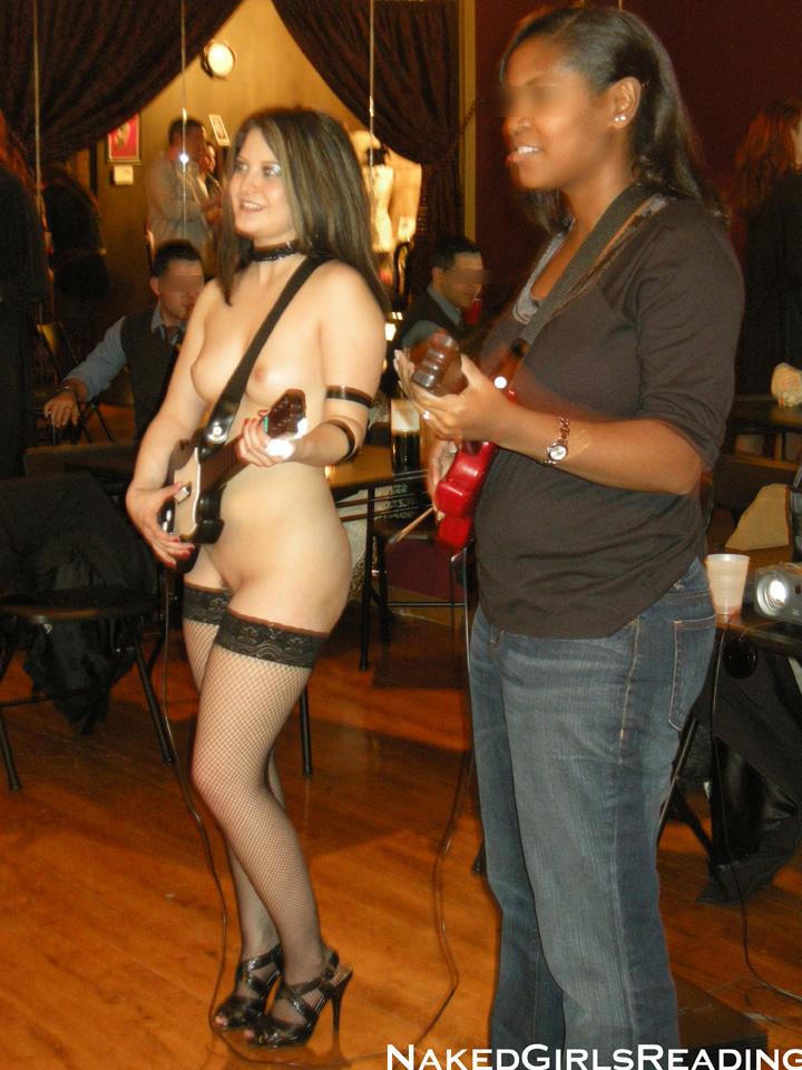 Mimi First kicks Guitar Hero ass!