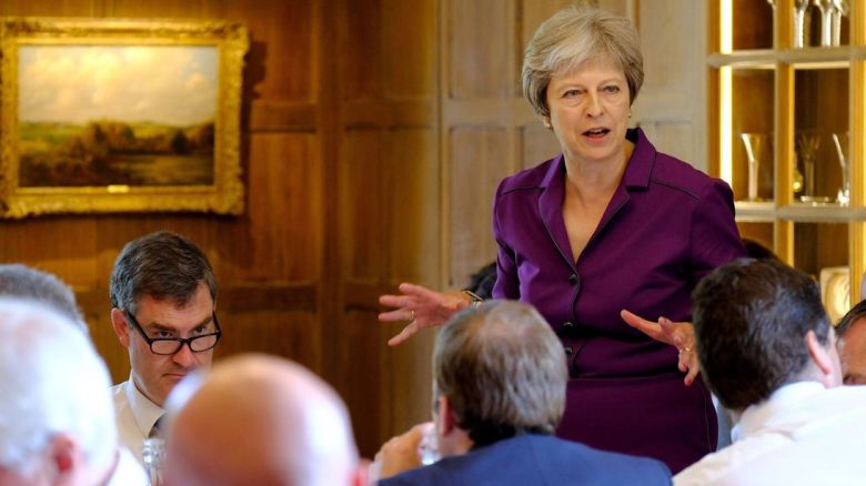 skynews-theresa-may-chequers_4355455