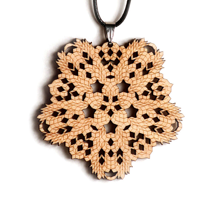Endless Knot Ornament - Naked Geometry