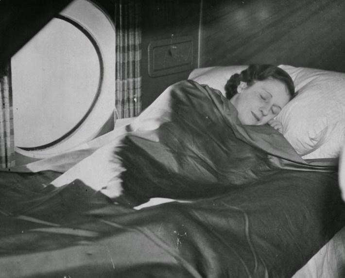 golden-age-air-travel-sleep