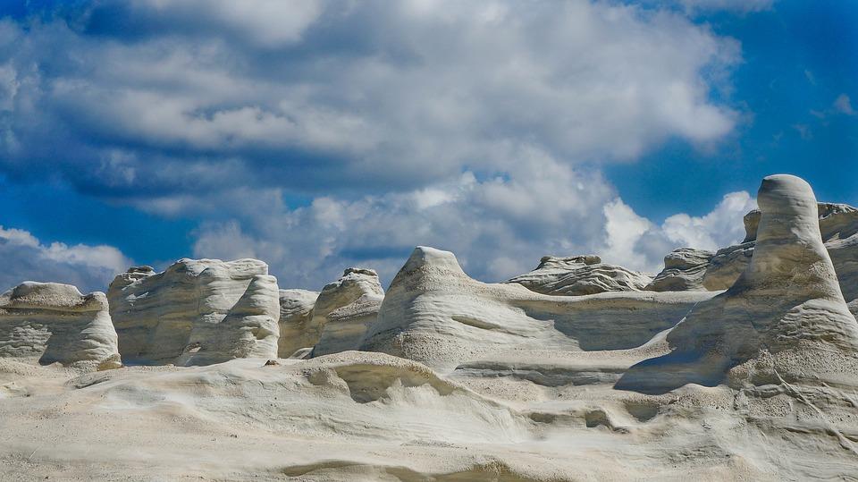 Vulkanická pláž Sarakiniko, Řecko