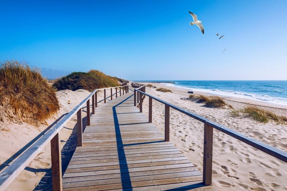 Praia-da-Costa-Nova-Portugalsko