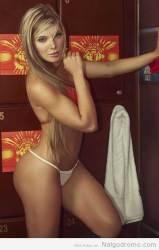 Sofía Jaramillo, sin bra, con tanga enloquecedora