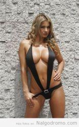 Esperanza Gómez se ve muy sabrosa en este bikini