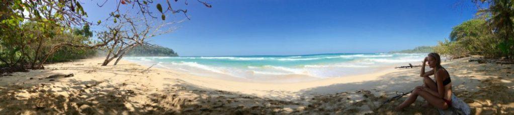 Nalusurf Surfschool Fuerteventura beim surfen in Panama, Bocas del Toro