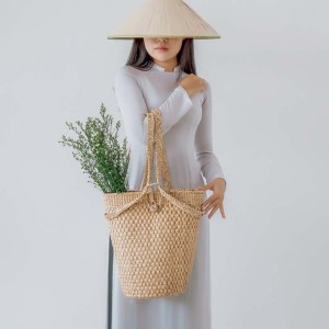 NA-handmade-woven-water-hyacinth-backpack