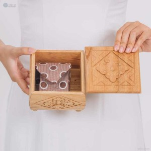 NA-hand-carved-square-shape-wooden-box-with-cloudy-pattern