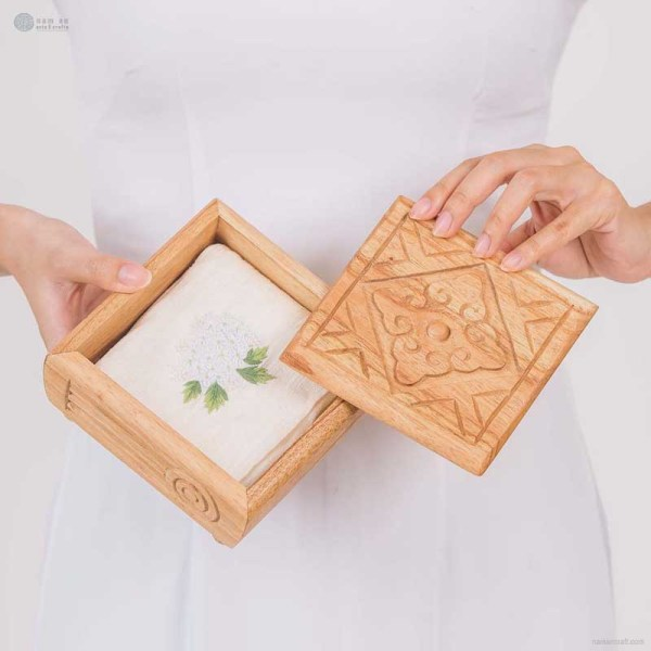 NA-hand-carved-square-wooden-box-with-diversified-pattern