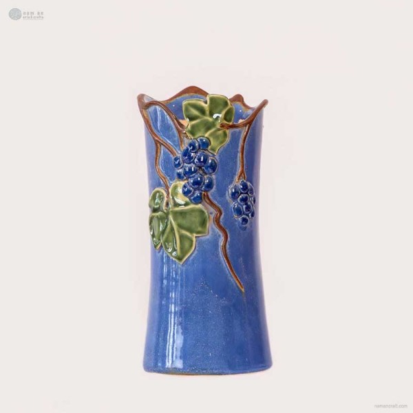 NA-irregular-vase-with-grape-fruit-and-grape-leaves-pattern