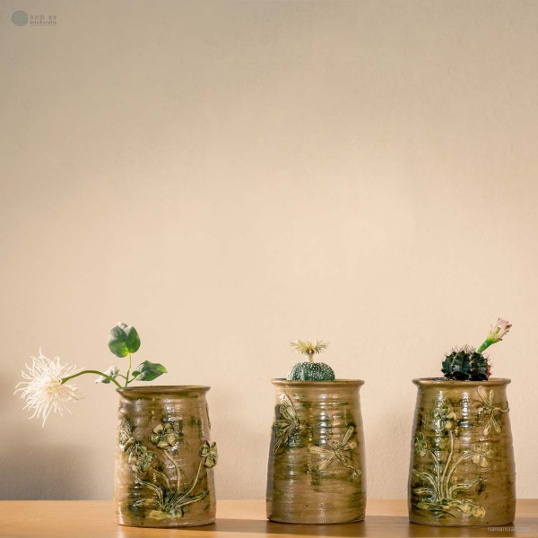 NA-longing-flower-vase-with-dragonfly-and-flower-pattern-made-by-artist-pham-anh-dao