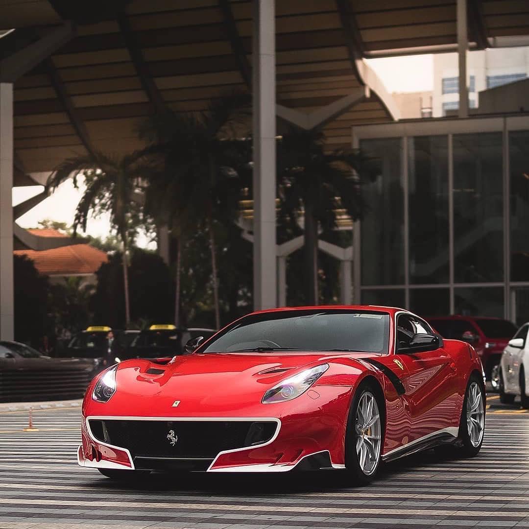 Ferrari F12: Ferrari F12 TDF
