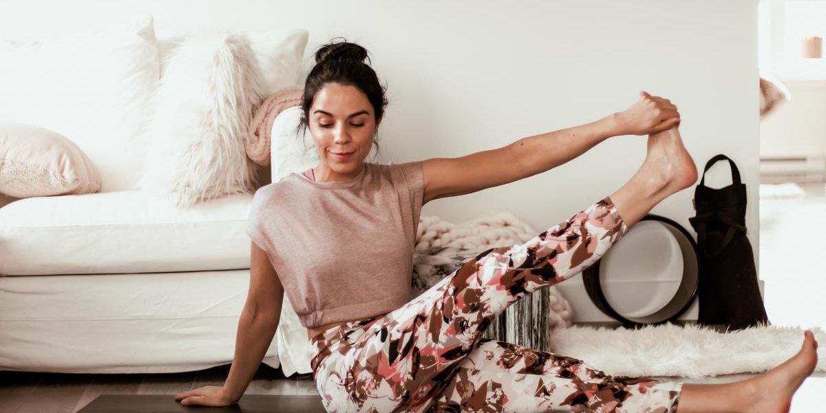 Yoga pour étirer les ischio-jambiers