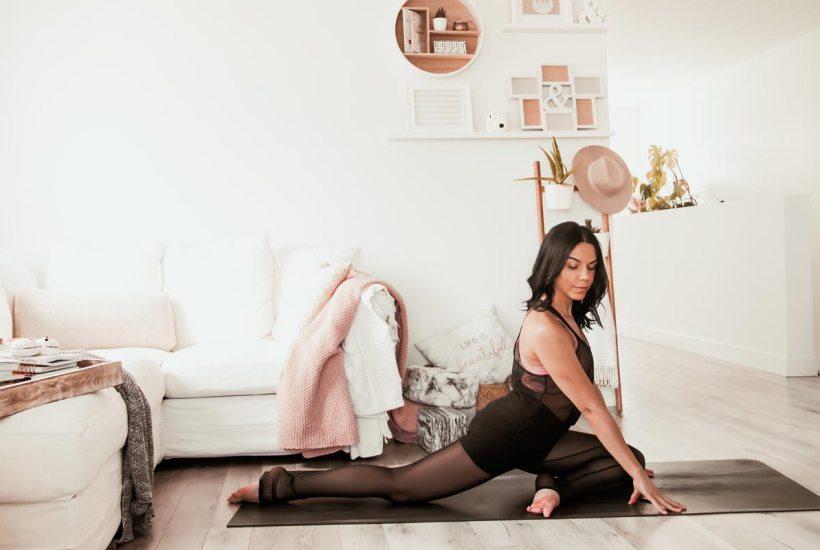 Routine de yoga pour étirer les psoas | Namasté & Coco Latté