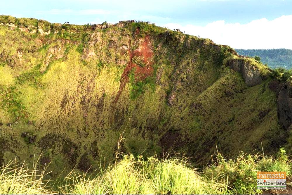 Views of the crater and caldera