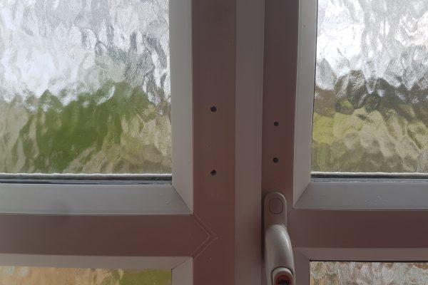 UPVC PLASTIC WINDOW FRAME SCREW HOLE SCRATCH CHIP DENT BURN REPAIR REFURBISHMENT LAND LORD MAINTENANCE SERVICE 1
